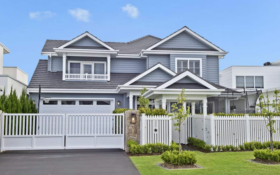 Hamptons on the Waterway featured by James Hardie